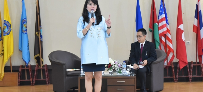 Consul General of the Republic of Indonesia in Shanghai Present as Guest Lecturer at STP NHI Bandung